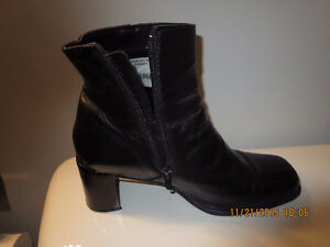 Ladies Black Leather Boots - Size 9.5 Medium width - Asking $25.