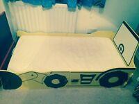 Toddler bed (hull)