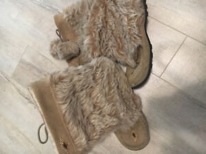 ; Moccasin style boots