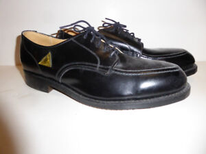 MEN'S BLACK LEATHER STEEL-TOED DRESS/WORK SHOE - MINT COND.