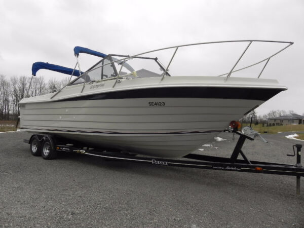 Used 1996 Boston Whaler PENN YAN 262