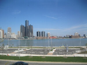 WATER VIEW HEART OF DOWNTOWN $495