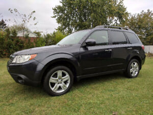 2010 Subaru Forester Limited SUV *NEEDS NOTHING*