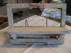 QUAINT LITTLE RUSTIC HANGING WALL SHELF with CHICKEN-WIRE TRIM