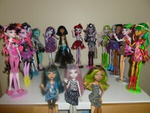 POUPÉES MONSTER HIGH (16 POUPÉES)