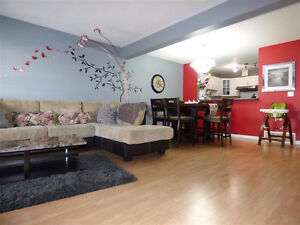 EXCELLENT TOWNHOUSE IN MILLWOODS