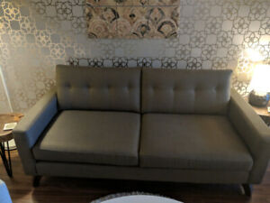 Sofa in excellent condition!
