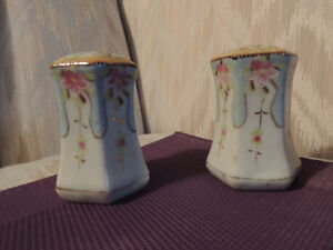 Antique and Novelty Salt and Pepper Shakers Peterborough Peterborough Area image 1