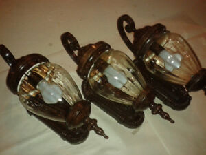 19-in tall Antique Brown Outdoor Light Fixtures Set - 3 e.a.