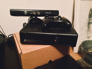 Xbox 360 S Console w/ KINECT & Controller