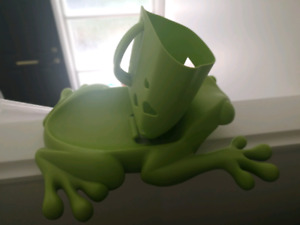 Used Boon Frog Bath toy holder