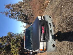 2004 gmc 2500 4x4 diesel new inspection and tires with bully dog