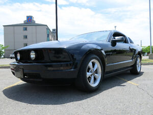 2007 V6 5-Speed Ford Mustang Coupe (2 door)