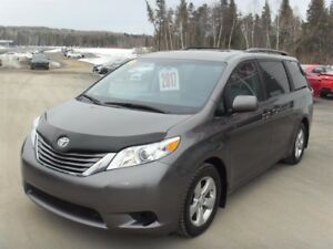 Toyota Sienna LE 5dr 8-Pass FWD  2017