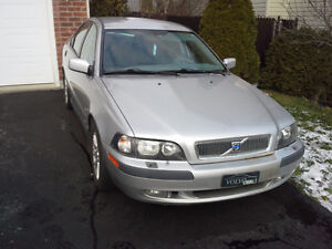 Volvo S40 2002 For Parts + Tires/Weels
