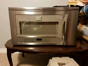 Over the range microwave Frigidaire professional
