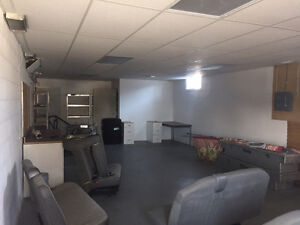 Commercial Office Space w/ lots of parking **PRINCESS STREET***