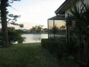 Water Water Everywhere~ Lovely Lakeside Furnished Home