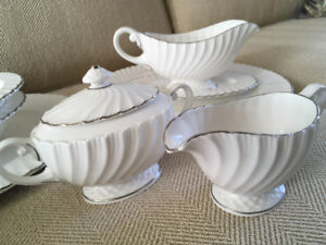 BEAUTIFUL COMPLETE SET OF ENGLISH BONE CHINA DISHES