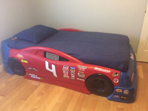 Little Tykes Racing Car Twin Bed