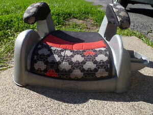Bumbo floor seat, Graco booster seat Windsor Region Ontario image 2