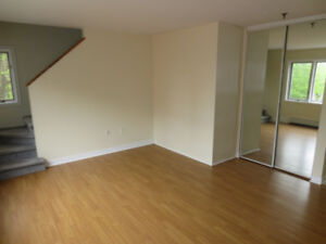 JULY 1st! Steps from Dalhousie > 3 bed/ 2 full bath/ 2 LEVEL!