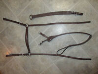 Large Horse Breastplate w Martingale attch't- never used