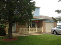 Beautiful 2 storey 4 bedroom Riverview home