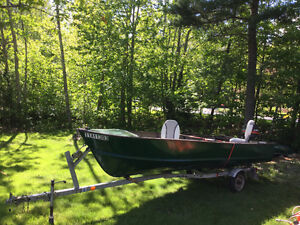 16ft aluminum 30hp outboard (+ parts motor) and trailer