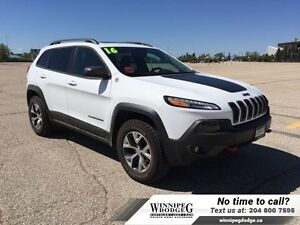 2016 Jeep Cherokee Trailhawk V6 4x4 w/Sunroof  Leather