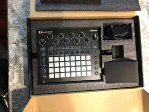 Novation Circuit Synthesizer + Drum Machine