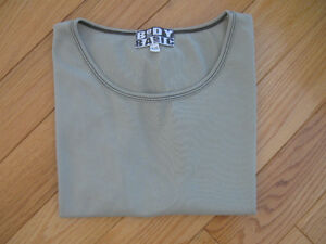 "OLIVE GREEN ""BODY BASIC"" LITE-WEIGHT CUP-SLEEVED BLOUSE"