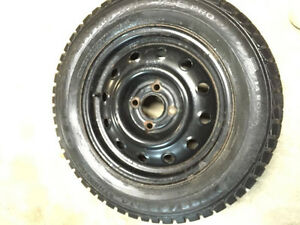 pneus avec rims 14 pouces 185 65 R14 GT champiro ice