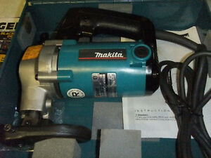 For Sale: Makita Metal Shear Edmonton Edmonton Area image 1