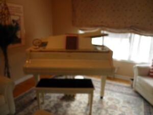 Baby grand piano Gatineau Ottawa / Gatineau Area image 2