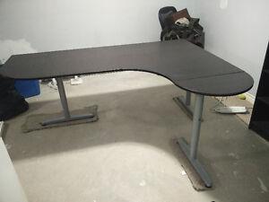 Galant Ikea Desk Kitchener / Waterloo Kitchener Area image 1