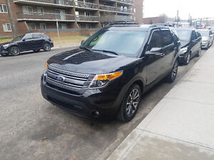 2015 Ford Explorer ....spotless comes with warranty and low kms