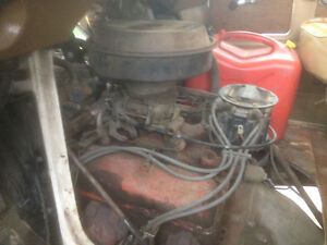 400 cu/in small block Chevrolet engine complete. Low mileage