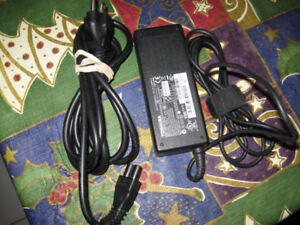Genuine Toshiba PA3378E-3AC3 15V 5A Universal AC Adapter Power