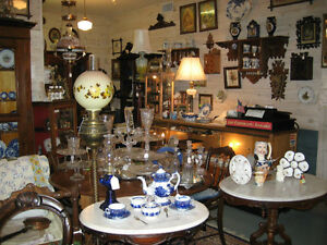 Im Looking To Buy Collectables and Antiques