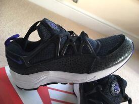 Nike huarache light size 5.5