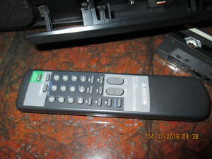 Sony CFD-350 w/remote control. Price reduced again. West Island Greater Montréal image 3