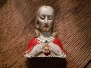 Vintage Religious Jesus Figurine/Bust with Sacred Heart