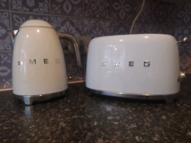 Genuine Smeg Toaster and kettle
