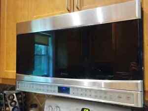 Kenmore Elite Microwave OTR Cambridge Kitchener Area image 1