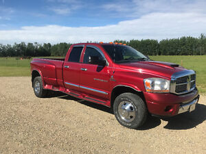 2006 Dodge Ram 3500 Laramie Dually Truck