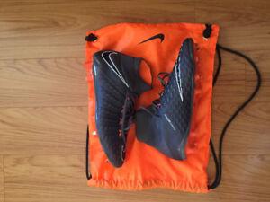 BRAND NEW!!! Nike Hypervenom Phantom 3 Size 9US