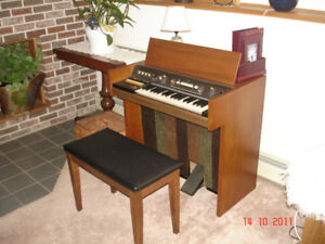 Vintage Organ for sale: The Sounder from Hammond