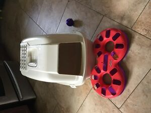 Cat litter box covered (never used) and Kong Cat toy