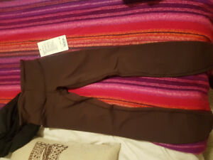 New with tags-  sz 2 Lululemon Wunder Unders (low rise)